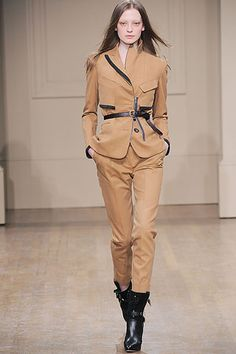 1.Hunting Garb: Julien Macdonald Fall 2010 Ready-to-Wear Collection. MacDonald reinterprets 19th century Hunting garb by forming it to a female silhouette, but keeping the fit of woolen breeches which were worn for hunting and outdoor activities.