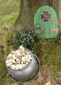 Leprechaun Door.  I like the idea of the kids finding this in the woods.  Very cute idea!