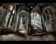 UE Abandoned Chateau de Noisy (Belgium) (Explore'd) by rustysphotography, via Flickr. Even though abandoned the arches in the windows and ceiling are still amazing