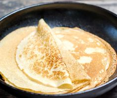 Swedish pancakes - serve with whipped cream and blueberries! Swedish Pancakes, Orange Blossom Water, Sifted Flour, Foods To Eat, Quick Easy Meals, Cake Cookies, Granola, Blueberry, Cake Recipes