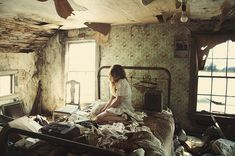 Crumbled world photography girl home bed