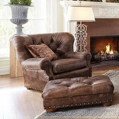 Beacon Leather Tufted Chair In Bronco Whiskey