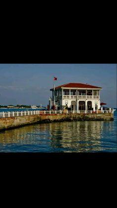Moda pier building-Constructive: Şirketi Hayriye-Year built: 1916&1917-Architect: Vedat Tek-Restore: Municipality-Restore year: 2015-Moda-Kadıköy-İstanbul