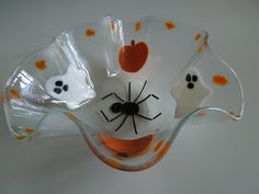 Fused Glass Bowl, Glass Bowls, Bee Creative, Wine Bottle Candles, Fall Dishes, Glass Artwork, Glass Christmas Tree, Happy Halloween, Stained Glass