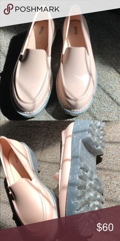 Shop Women s Melissa Silver Pink size 10 Shoes at a discounted price at  Poshmark. Description  Brand new 8ee34a1a9f8f