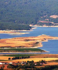Lago Cecita Lake.