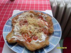 Rýchle langoše (fotorecept) - recept   Varecha.sk Pizza, Favorite Recipes, Meals, Party, Food, Kitchen, Basket, Cooking, Meal