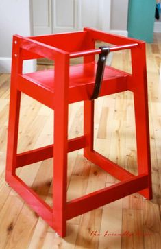 Build your own restaurant style high chair. Add a pop of color to your dining room! Free plans at Ana-White.com