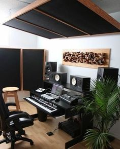 Trendy home studio recording diy music rooms Home Studio Setup, Music Studio Room, Studio Desk, Studio Interior, Audio Studio, Sound Studio, Studio Build, Studio Spaces, Room Interior