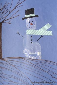 If you and your children love making art out of hand prints and footprints, then you have got to check out this footprint snowman. Kids of all ages will have a blast making this Holiday Snowman Footprint Art during the chilly months of the year. Winter Crafts For Kids, Winter Fun, Winter Theme, Art For Kids, Kids Fun, Snowman Crafts, Holiday Crafts, Holiday Fun, Snowman Wreath