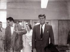 1960. 23 April. John F. Kennedy in Medford
