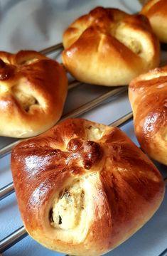 Aszalt szilvás-túrós bukta   Álom.Íz.Világ. Doughnut, Lime, Food And Drink, Bread, Limes, Brot, Baking, Breads, Buns
