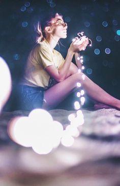 65 Super Ideas For Photography Creative Dark – Photography Fairy Light Photography, Dreamy Photography, Bokeh Photography, Photography Poses Women, Tumblr Photography, Night Photography, Creative Photography, Portrait Photography, Neon Lights Photography