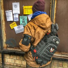 The Division Gear, The Division Cosplay, Tom Clancy The Division, Airsoft Gear, Tactical Gear, Edc Bag, Knife Patterns, Arte Robot, Tac Gear