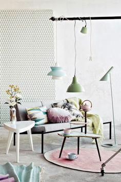 Industriële inrichting- pastel - naturel - wit-grijs - rust- puur- woonkamer- industrieel interieur