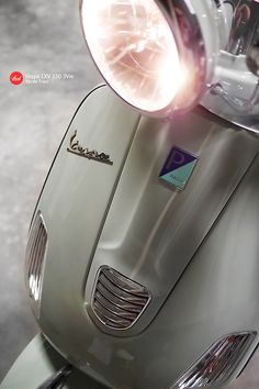 Vespa : Verde Travi (Light Green)