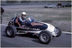 Going Back in Time with Some Midget Photos Sprint Car Racing, Dirt Racing, Auto Racing, Old Race Cars, Vintage Race Car, Dirt Track, Automotive Art, Back In Time, 1940s
