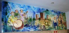Painel de azulejos em Montalegre da autoria de José Emídio e Evelina Oliveira executado em 2007 na oficina de cerâmica da Coop. Árvore. 24 m2 em azulejo 33x33