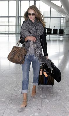 A perfect outfit for Travel by plane! casual chic!