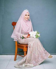 Bridal hijab styles veils wedding dresses Ideas for 2019 Muslimah Wedding Dress, Hijab Style Dress, Muslim Wedding Dresses, Hijab Bride, Muslim Brides, Muslim Dress, Bridesmaid Dresses, Muslim Hijab, Malay Wedding Dress