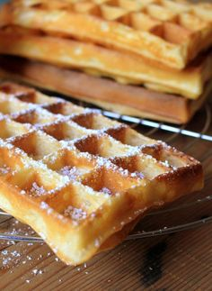 Gaufre crousti moelleuse Gourmet Desserts, Sweets Recipes, Cupcakes, Cupcake Cakes, Chefs, Waffle Bar, Pancakes And Waffles, Waffle Recipes, No Cook Meals