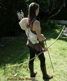 Become a patron of Natural Bow Woman today: Read 10 posts by Natural Bow Woman and get access to exclusive content and experiences on the world's largest membership platform for artists and creators. Archery Photography, English Longbow, Archer Characters, Woman Archer, Mounted Archery, Archery Girl, Weapon Of Mass Destruction, Traditional Archery, Bow Arrows