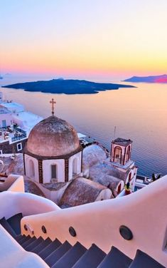Santorini attracts honeymooners, photographers, girls and boys summer adventures. A Santorini 3 day itinerary takes you exploring Oia, Thira, Imerovigli. Vacation Places, Vacation Destinations, Dream Vacations, Vacation Spots, Vacation Travel, Winter Sun Destinations, Places In Greece, Voyage Europe, Beautiful Places To Travel