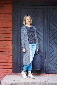 Pitkä neuletakki – katso ohje   Meillä kotona Beginner Knitting Projects, Knitting For Beginners, Cardigan Long, Joko, Tankini, Knit Crochet, Duster Coat, Normcore, Sewing