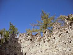 Le rovine del Castello di Vezio (Lecco) http://lefotodiluisella.blogspot.it/2015/04/castello-di-vezio.html