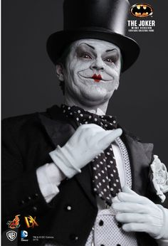 Hot Toys : Batman - The Joker (Mime Version) 1/6th scale Collectible Figure