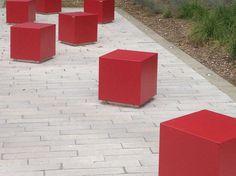 Kataloge zum Download und Preisliste für poller aus stahl mit sockel Cube, design Alfredo Tasca direkt vom Hersteller Metalco