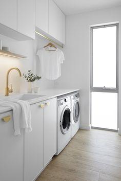 Laundry Bathroom Combo, White Laundry Rooms, Modern Laundry Rooms, Laundry Room Storage, Laundry Room Inspiration, Laundry Room Remodel, Coastal Bathrooms, Laundry Room Design, Küchen Design