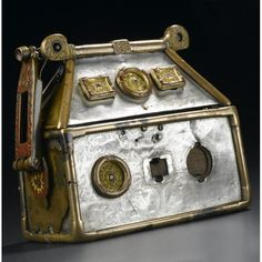 the monymusk reliquary, or breac bannoch, of colmcille. eighth century ad, an insular fusion of gaelic and pictish design and anglo-saxon metalworking Art Nouveau, Celtic Culture, Viking Age, Viking Warrior, Iron Age, Le Far West, Anglo Saxon, Picts, Dark Ages