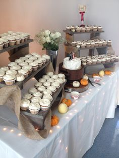 Fall cupcake wedding DIY ladder display