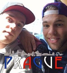 Taylor Hall and Connor McDavid in Prague Love em❤️ Hot Hockey Players, Nhl Players, Alaska Aces, Taylor Hall, Connor Mcdavid, Edmonton Oilers, Pittsburgh Penguins, Chicago Blackhawks, Gorgeous Men