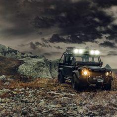 "Land Rover Defender ""Spectre"" Wolf wild life."