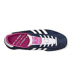 bequeme Sneakers z. B. von Adidas