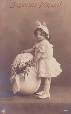 Joyeuses Paques ~ Vintage girl french Easter card