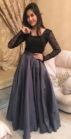 Jannat Zubair Rahmani (Child Artist) Age, Family, Biography & More - StarsUnfolded Party Wear Indian Dresses, Designer Party Wear Dresses, Pakistani Dresses Casual, Indian Gowns Dresses, Indian Fashion Dresses, Indian Designer Outfits, Dress Indian Style, Stylish Dresses For Girls, Stylish Dress Designs