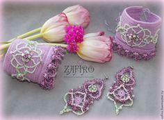 """Купить """"Сиреневая весна"""" браслеты-манжеты, серьги с бисером и камнями - сиреневый, светло-зеленый"""