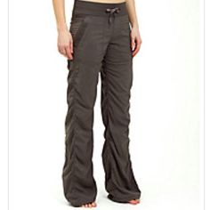 Lululemon Studio Pant II $98.00 I want to live in this pants.