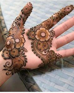 50 Most Beautiful Looking Teej Mehndi Design (Teej Henna Design) that you will love to try on Teej Festival. Easy Mehndi Designs, Latest Mehndi Designs, Henna Tattoo Designs, Henna Tattoos, Mandala Tattoo Design, Henna Tattoo Muster, Beginner Henna Designs, Mehndi Designs For Girls, Dulhan Mehndi Designs