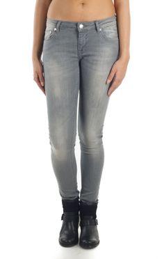 Blugi skinny SuperJeans of Sweden gri. GET THEM HERE >> http://superjeans.ro/branduri/superjeans-of-sweden/blugi-skinny-superjeans-of-sweden-gri.html