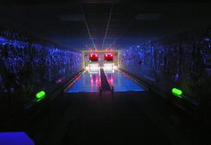 The Hotel Eichingerbauer in the Salzkammergut owns its own bowling alley. A particular highlight is the Moonlight bowling alley in Mondsee in Austria. Country Hotel, Bowling, Austria, Relax, Fun, Lol, Funny