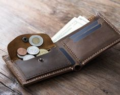 Personalized Mens Leather Wallet. This engraved leather wallet is the perfect men's gift. This custom wallet will be displayed with pride for years to come. It's a great gift for groomsmen, boyfriends, husbands and fathers alike.  ✦✦✦ Please note, the DAD is just a sample. You get to choose the initials that go on the wallet.  Or a monogram, or a logo, or a small quote....you get the picture. If you have any questions, please send us a convo.  ✦✦✦ We make all our products. Lots of other…