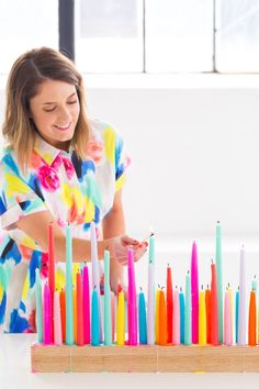 A perfectly colorful rainbow DIY taper candle holder for parties and entertaining - sugar and cloth (Diy Candles Holders) Taper Candle Holders, Taper Candles, Diy Candles, Candels, Beeswax Candles, Long Candle Holder, Diy Tumblr, Rainbow Diy, Rainbow Things