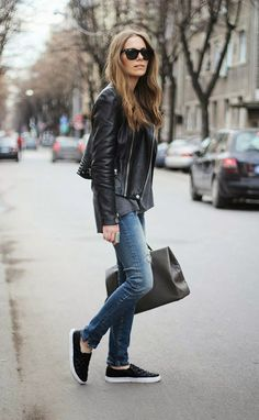 52 Ideas How To Wear Black Sneakers Street Style Outfit Leather Skinny Jeans, Black Leather Biker Jacket, Ripped Skinny Jeans, Leather Jackets, Winter Outfits, Cool Outfits, Casual Outfits, Teen Fashion Outfits, How To Wear Sneakers