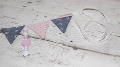 Kinderwagenanhänger - Wimpelkette - Anhänger für Babysafe/Babyschale - ein Designerstück von StolzeVita bei DaWanda