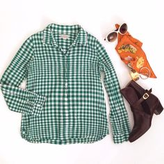 Madewell Green White Check Printed Button Down Gorgeous Madewell classic button down shirt blouse. Green and white check. Size small. Long sleeves and soft fabric. Great condition. Madewell Tops Button Down Shirts