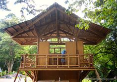 This beautiful Guadua bamboo house in Costa Rica, is located near Playa Sombrero at the Osa Peninsula. The bamboo house was designed and built by Costa Rican architect Mariela Garcia and her husband Steve Jurries. Bamboo Architecture, Architecture Design, House Bali, Houses In Costa Rica, Haus Am Hang, Bamboo House Design, Bamboo Building, Woodland House, Bamboo Structure